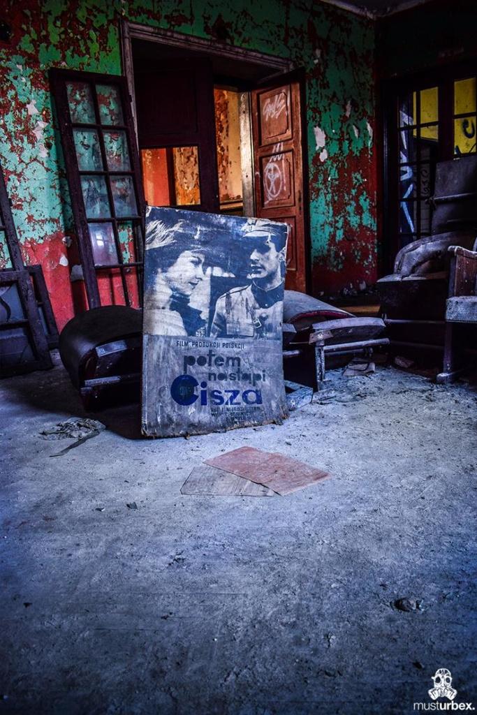 Opuszczone kino Uciecha
