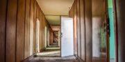 urbex_biurowiec_pkp_opuszczony_hotel_pracowniczy_PKP_musturbex_057