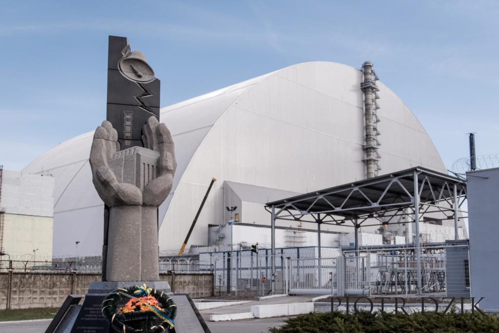 Piotr Dzik Fotografia Reaktor Elektrownia Atomowa Pomnik
