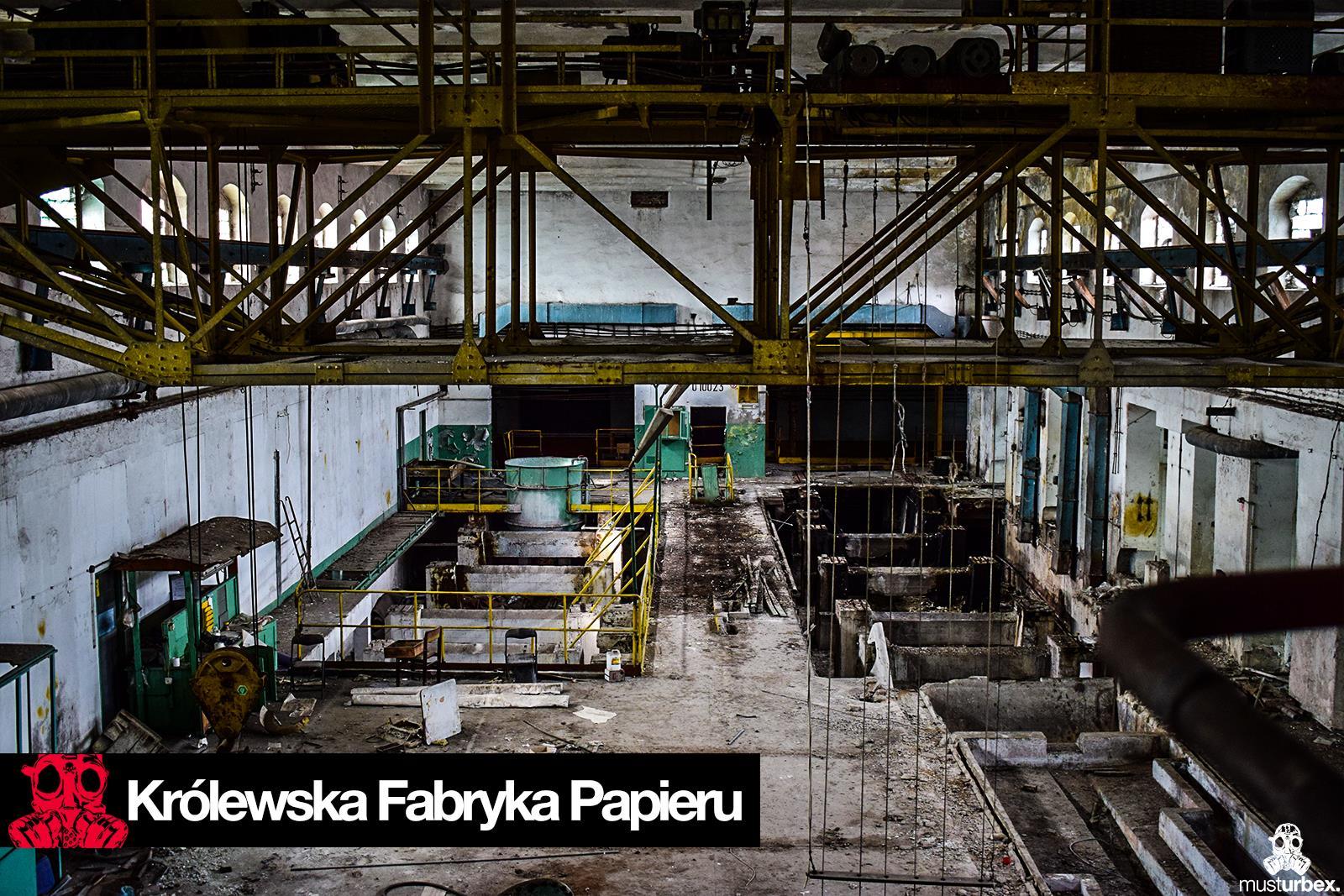 URBEX Królewska Fabryka Papieru MustUrbex Papiernia Konstancin Jeziorna hala fabryka produkcja papieru fabryka wielka hala hak łańcuchy