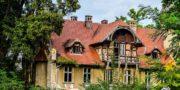 malowniczy-dwór-pałac-z-kogutkiem-na-dolnym-śląsku-urbex-musturbex-50