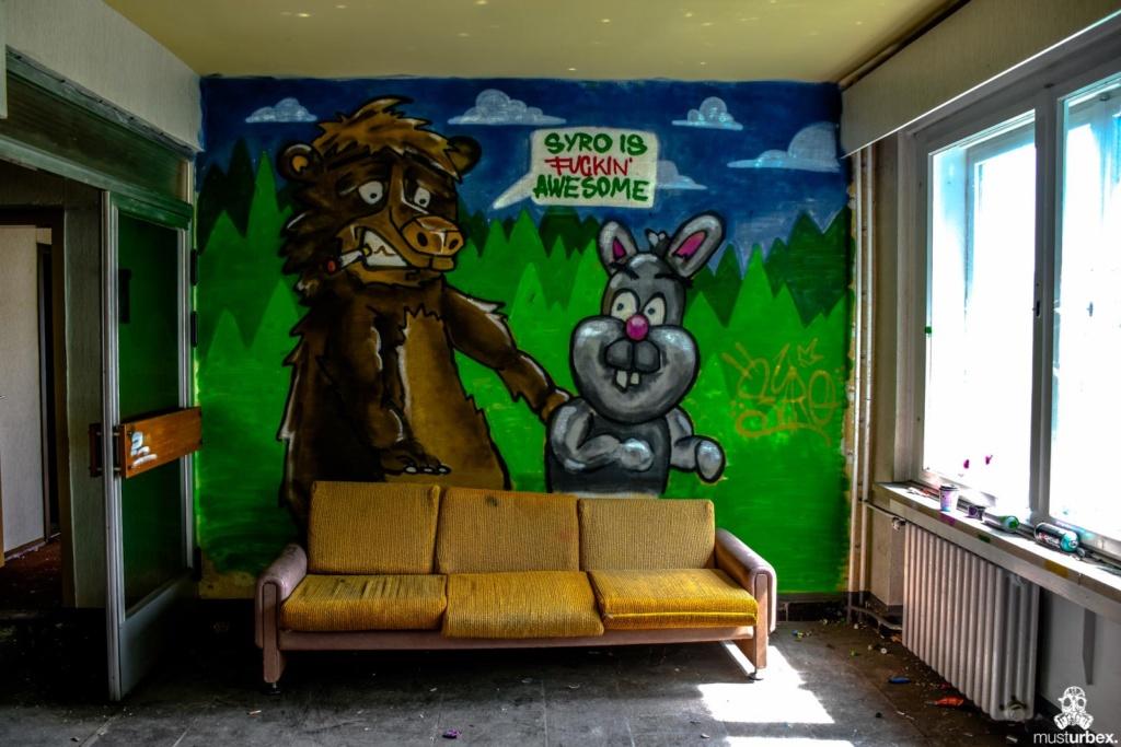 Grand Hotel Atlantis URBEX opuszczony hotel, abandoned hotel, verlassene Hotel, URBEX Biosfera, biosphere, decay, opuŝtêny hotel, musturbex, graffiti, syro, sota, korytarz, Luxushotel, Aphex Twin