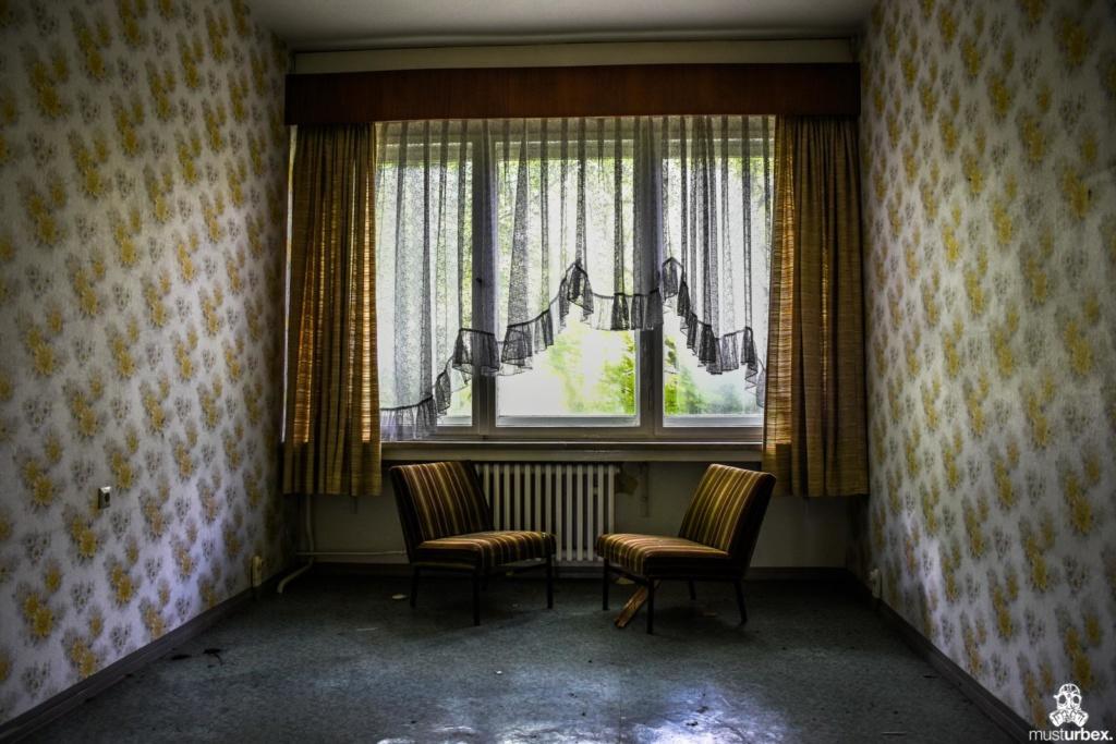 Grand Hotel Atlantis URBEX opuszczony hotel, abandoned hotel, verlassene Hotel, URBEX Biosfera, biosphere, decay, opuŝtêny hotel, musturbex, fotele, pokoje, ski resort