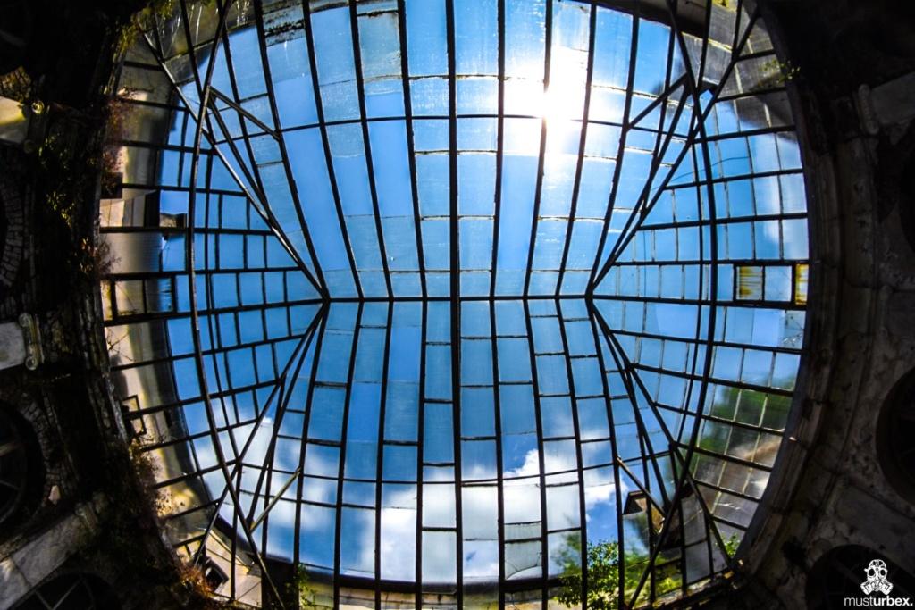 Pałac z fortepianem urbex musturbex atrium szklany dach dziedziniec patio, , palace with the piano, piano palace, Palast mit Klavier, palacio con el piano, palác s klavírem