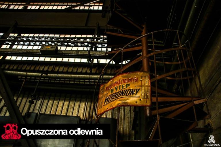 Opuszczona odlewnia urbex industrial musturbex abandoned foundry verlassene Gießerei fundición abandonada opuštěná slévárna decay nieupoważnionym wstęp wzbroniony hala schody klatka schodowa