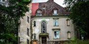 Pałac_z_niebieskimi_schodami_Palace_with_blue_stairs_Palast_mit_blauen_Treppen_Palác_s_modrými_schody_URBEX_MustUrbex_02