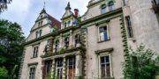 Pałac_z_niebieskimi_schodami_Palace_with_blue_stairs_Palast_mit_blauen_Treppen_Palác_s_modrými_schody_URBEX_MustUrbex_06