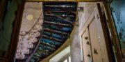 Pałac_z_niebieskimi_schodami_Palace_with_blue_stairs_Palast_mit_blauen_Treppen_Palác_s_modrými_schody_URBEX_MustUrbex_18