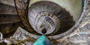 Pałac_z_niebieskimi_schodami_Palace_with_blue_stairs_Palast_mit_blauen_Treppen_Palác_s_modrými_schody_URBEX_MustUrbex_20