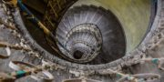 Pałac_z_niebieskimi_schodami_Palace_with_blue_stairs_Palast_mit_blauen_Treppen_Palác_s_modrými_schody_URBEX_MustUrbex_21