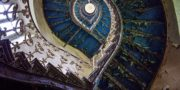 Pałac_z_niebieskimi_schodami_Palace_with_blue_stairs_Palast_mit_blauen_Treppen_Palác_s_modrými_schody_URBEX_MustUrbex_24