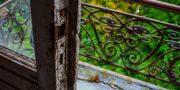 Pałac_z_niebieskimi_schodami_Palace_with_blue_stairs_Palast_mit_blauen_Treppen_Palác_s_modrými_schody_URBEX_MustUrbex_27