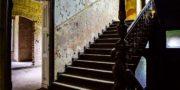 Pałac_z_niebieskimi_schodami_Palace_with_blue_stairs_Palast_mit_blauen_Treppen_Palác_s_modrými_schody_URBEX_MustUrbex_29