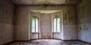 Pałac_z_niebieskimi_schodami_Palace_with_blue_stairs_Palast_mit_blauen_Treppen_Palác_s_modrými_schody_URBEX_MustUrbex_33