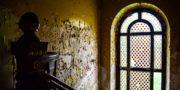 Pałac_z_niebieskimi_schodami_Palace_with_blue_stairs_Palast_mit_blauen_Treppen_Palác_s_modrými_schody_URBEX_MustUrbex_36