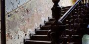 Pałac_z_niebieskimi_schodami_Palace_with_blue_stairs_Palast_mit_blauen_Treppen_Palác_s_modrými_schody_URBEX_MustUrbex_37