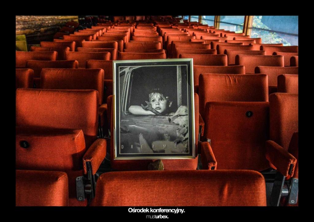 URBEX w Fotografii III URBEX wystawa URBEX FOTO URBEX photo URBEX DREAMER opuszczony ośrodek konferencyjny