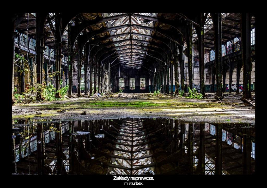 URBEX w Fotografii III URBEX wystawa URBEX FOTO URBEX photo hala biosphere kolejowe zakłady naprawcze