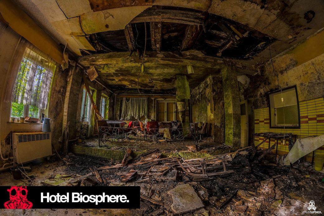 Hotel Biosphere URBEX, musturbex, opuszczony hotel Biosphere, hotel Biosfera, abandoned hotel, erholungsheim. dom dla pracowników zakładu, opuszczony dom wczasowy, ośrodek wakacyjny, dom wakacyjny, pomieszczenie, pokój
